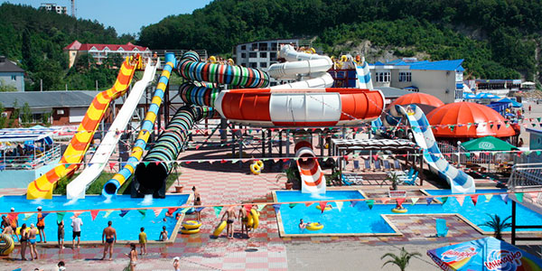 Общий вид аквапарк Лето в Ольгинке
