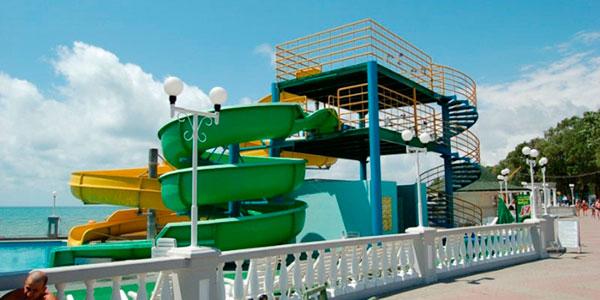 Горки аквапарка Посейдон в Дивноморском